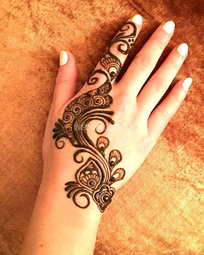 Meeqashi (Freelance Henna Artist)