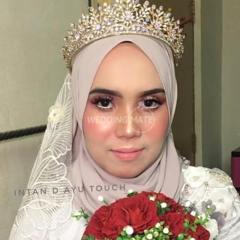 Dyan Women's Beauty