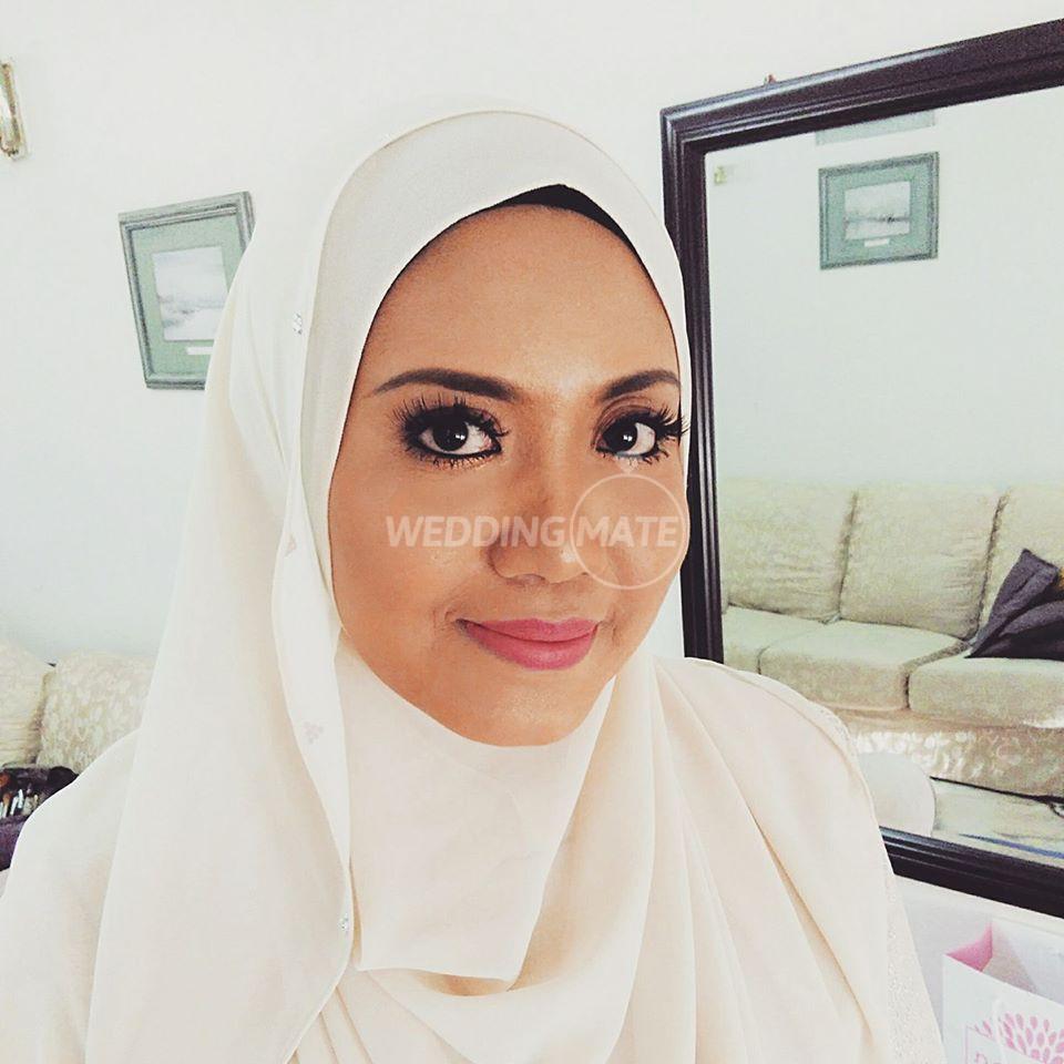 Freelance Makeup Artist - Hazlie Hamzah