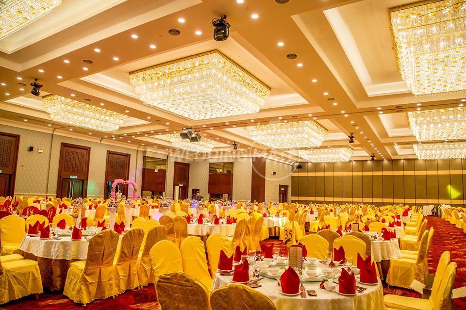 Ah Yat Abalone Forum Restaurant