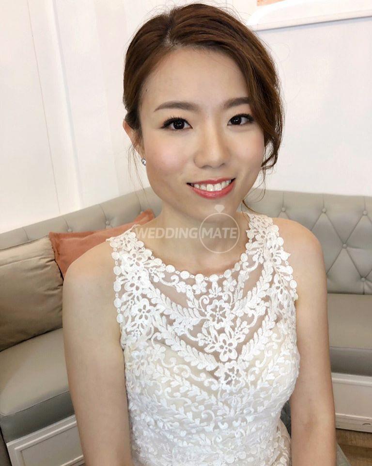 AIVY YONG BRIDAL MAKEUP STUDIO