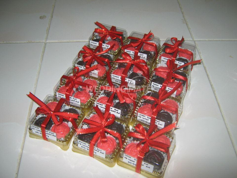 Coklat Koleksi Suri