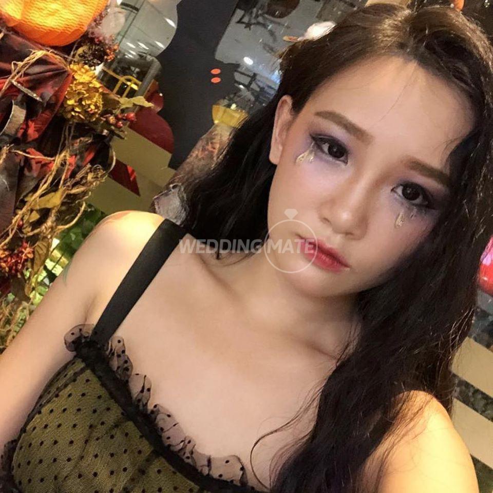 Mae Foo Makeup Stage