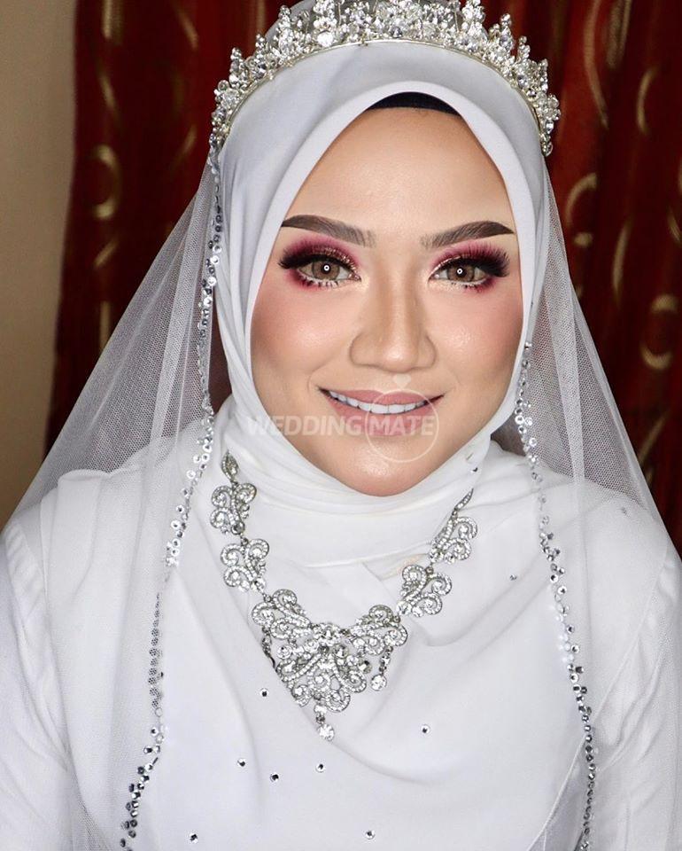 Makeup by anymnyzura
