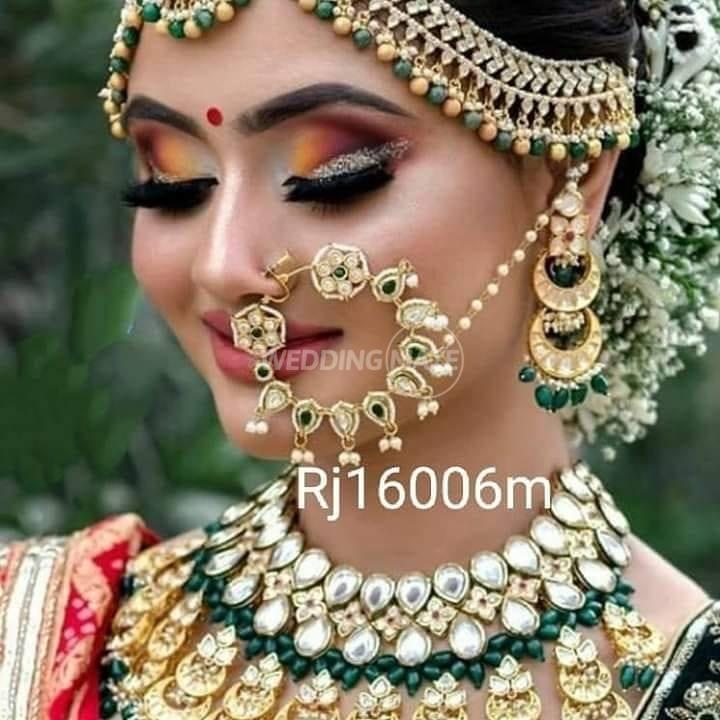 Akshaya collection