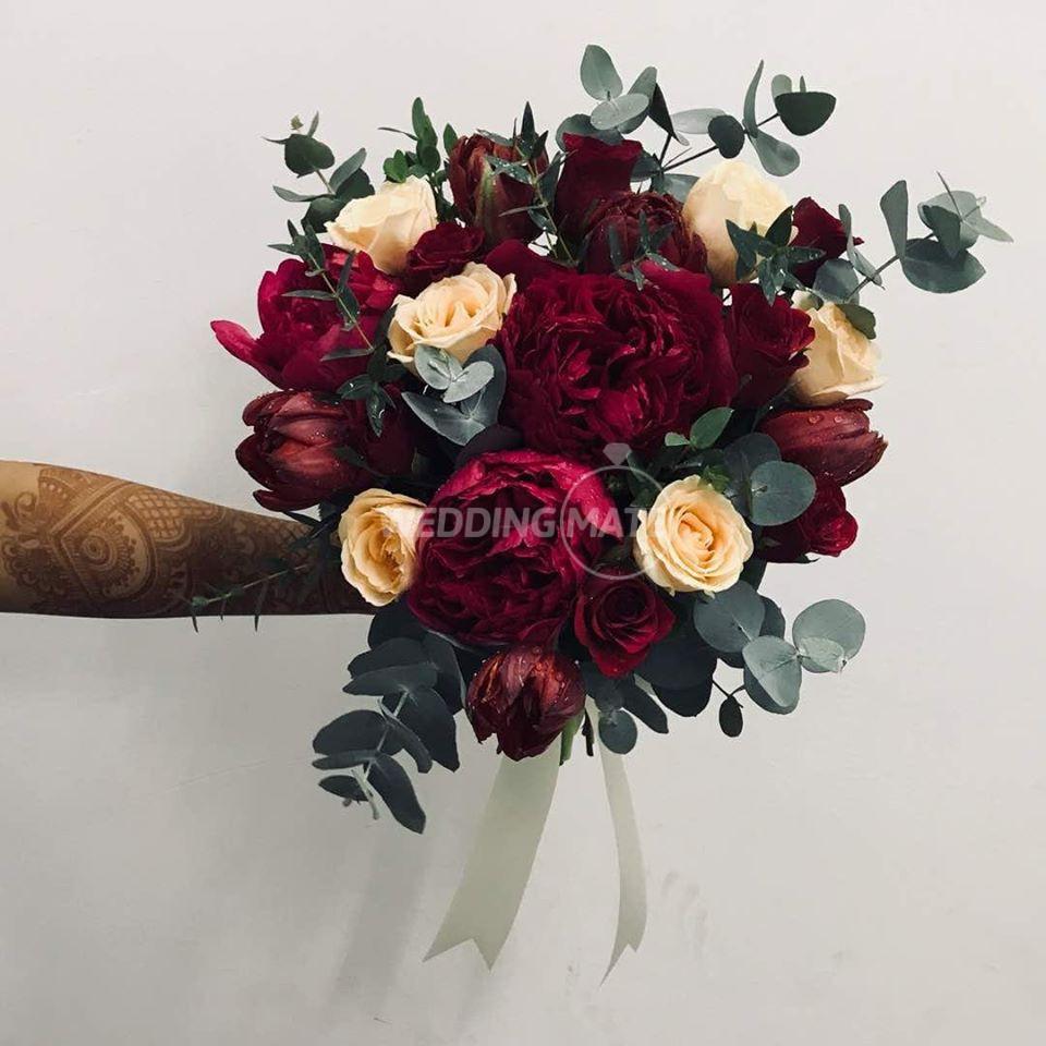 Dynamic Florist And Wholesaler