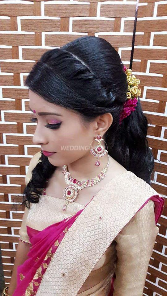 Es Bollywood Beauty N Bridal