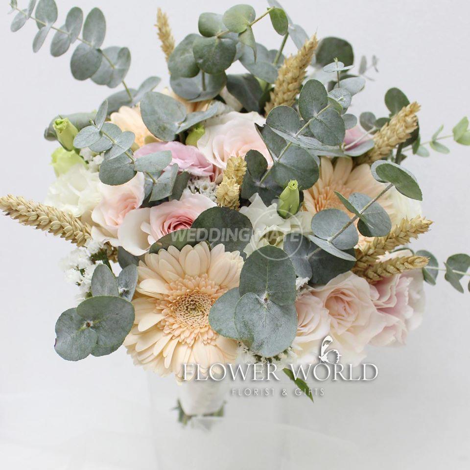 Flower World Florist & Gifts