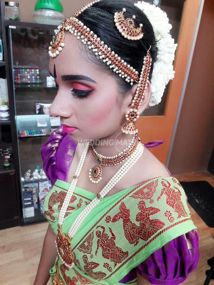 Roshwina Beauty Parlour