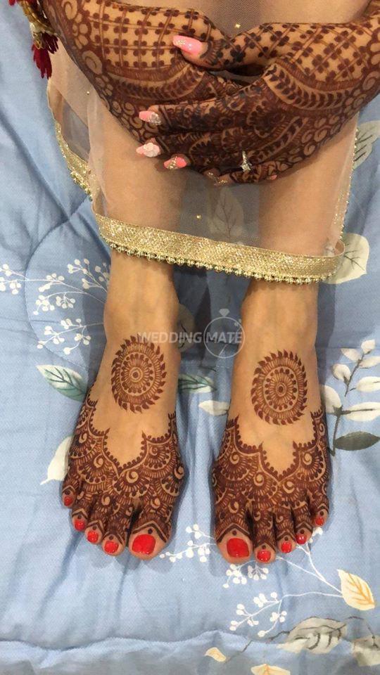 Shainaaz Mehendi & Nail Art