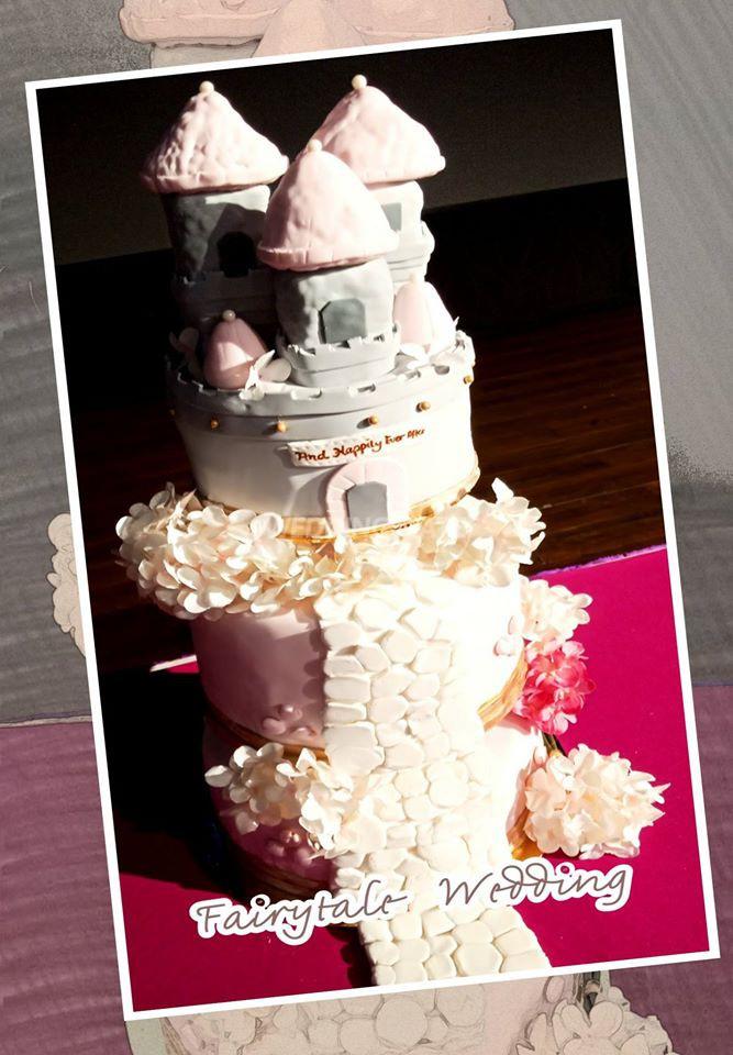 The CakeHolic House