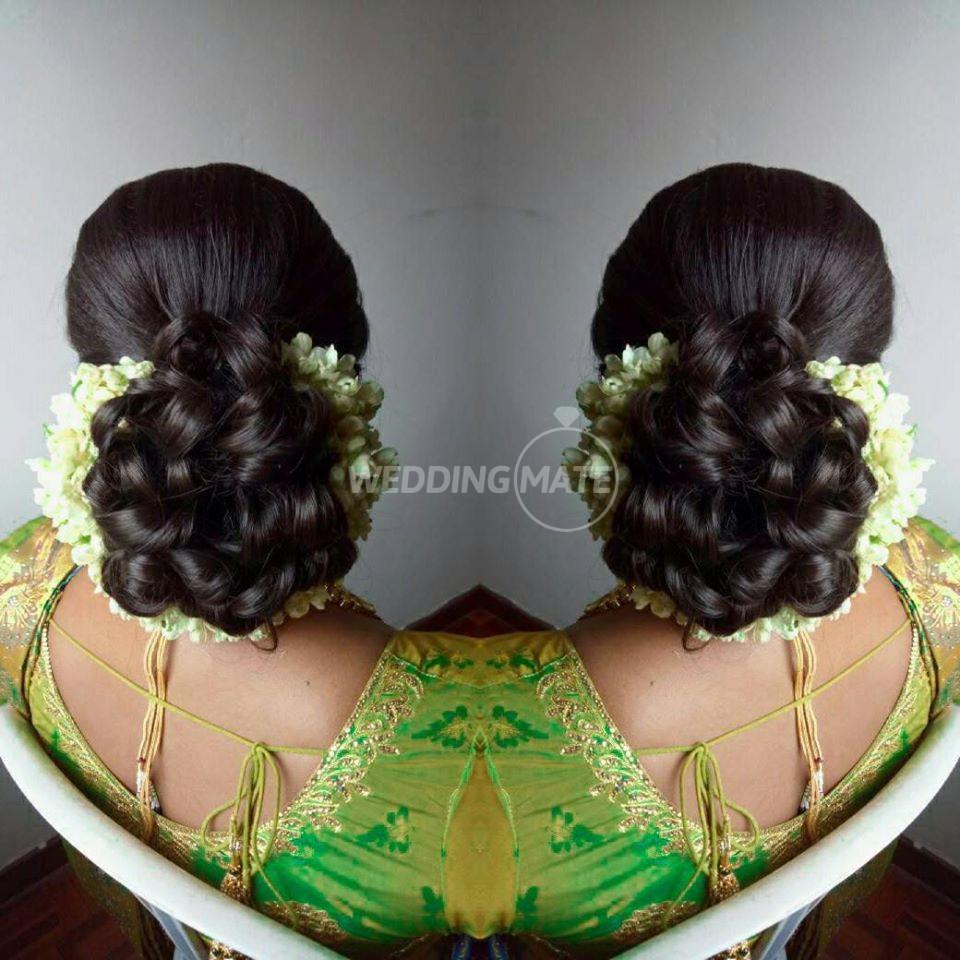 Vaniz's Bridal & Unique indiz Makeup - Melaka