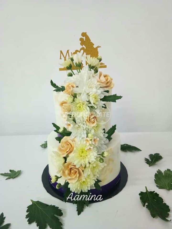 Wedding Cake by Min