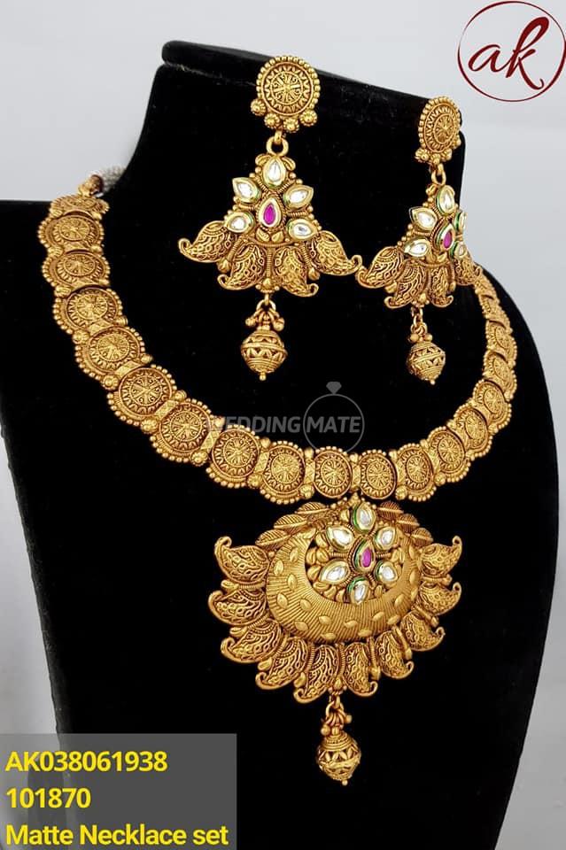 Mantra Queen'S Gold Koottu & Ornaments