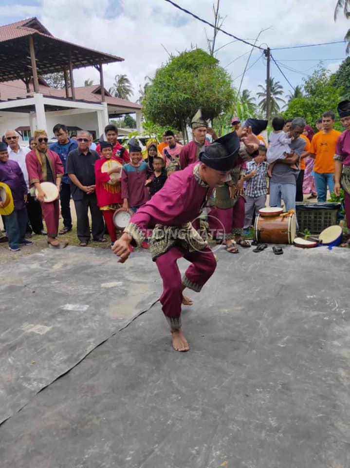 Seni Kompang Anak Melayu