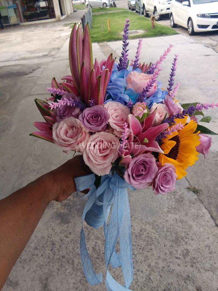 Threenity Florist