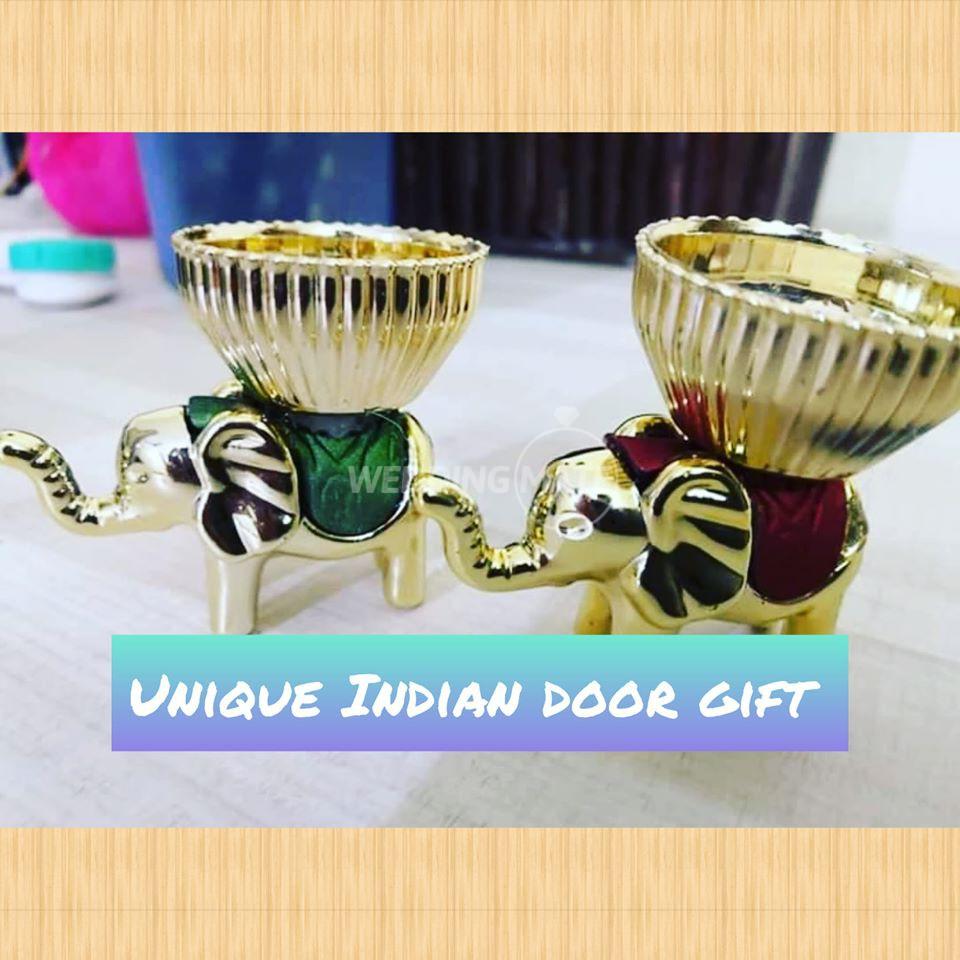 Unique Indian Door Gift